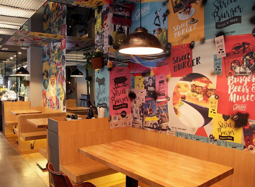Gordon Burger Bar Barcelona  - Identidad gráfica y murales interiores. Técnica Collage 0