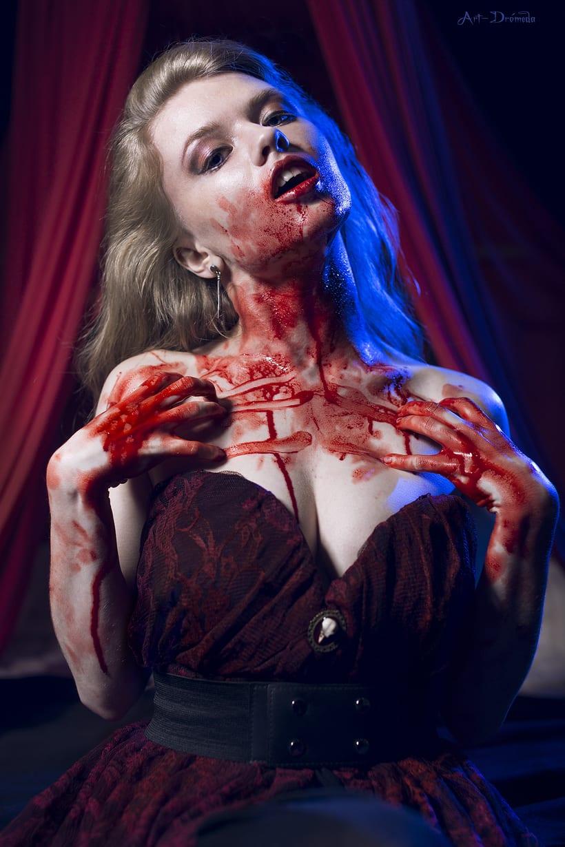Bloody Blonde 9