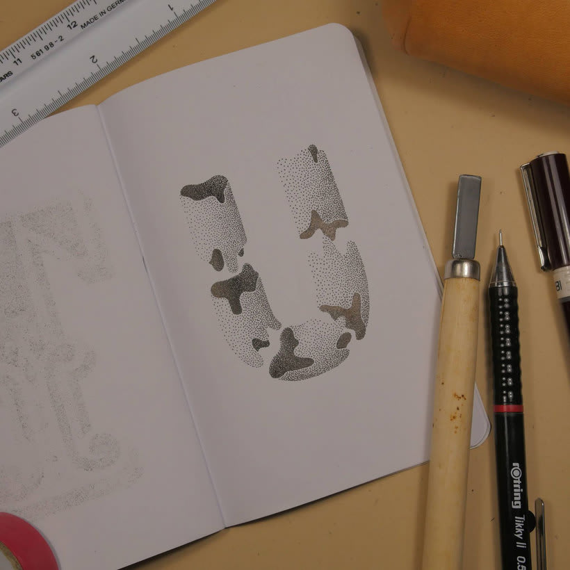 Dibujando lettering punto por punto 19
