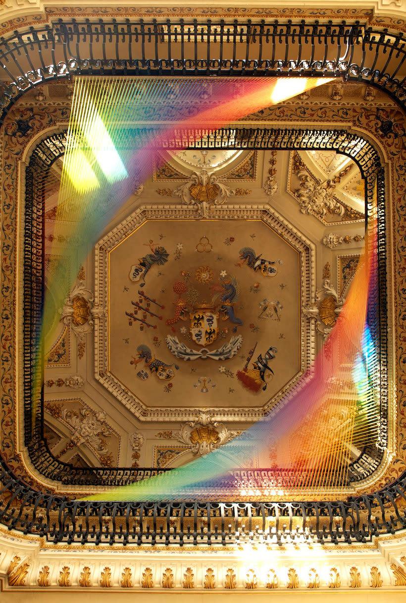 Gabriel Dawe crea arcoíris con hilo y sin agua 4