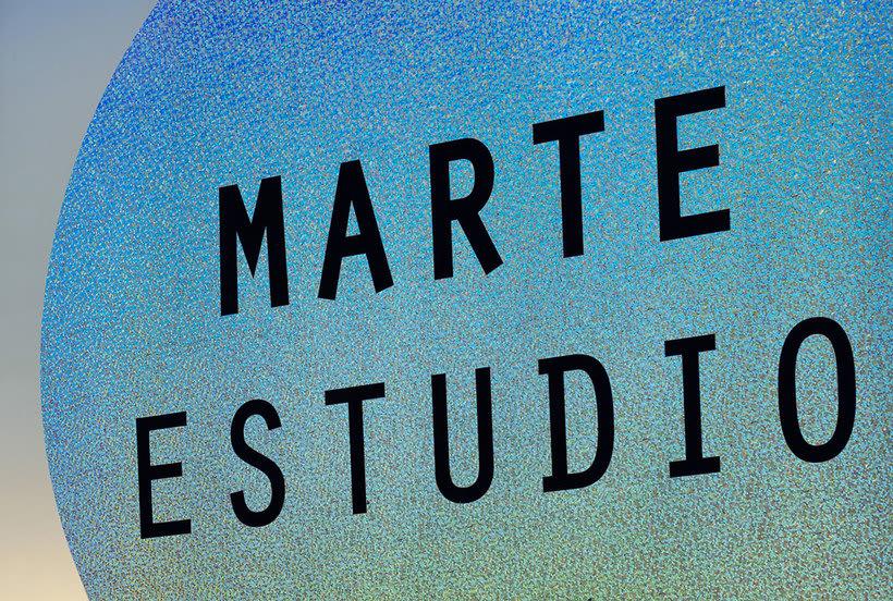 Bienal: branding clásico y espacial 10