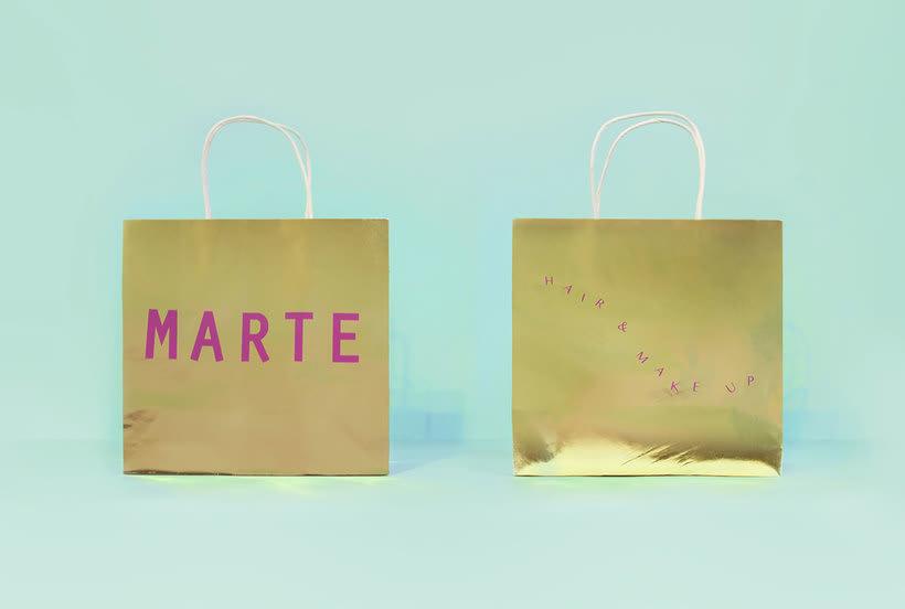 Bienal: branding clásico y espacial 12