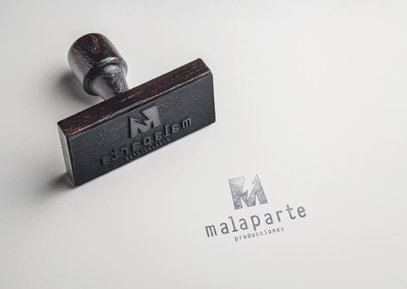 Logotipo MALAPARTE producciones 4