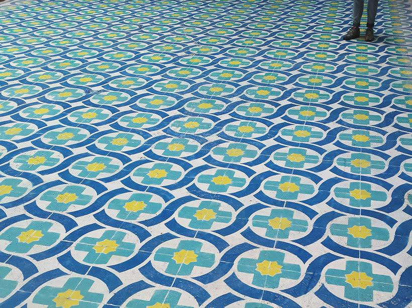 Javier de Riba, un maestro en el arte de pintar suelos hidráulicos 17