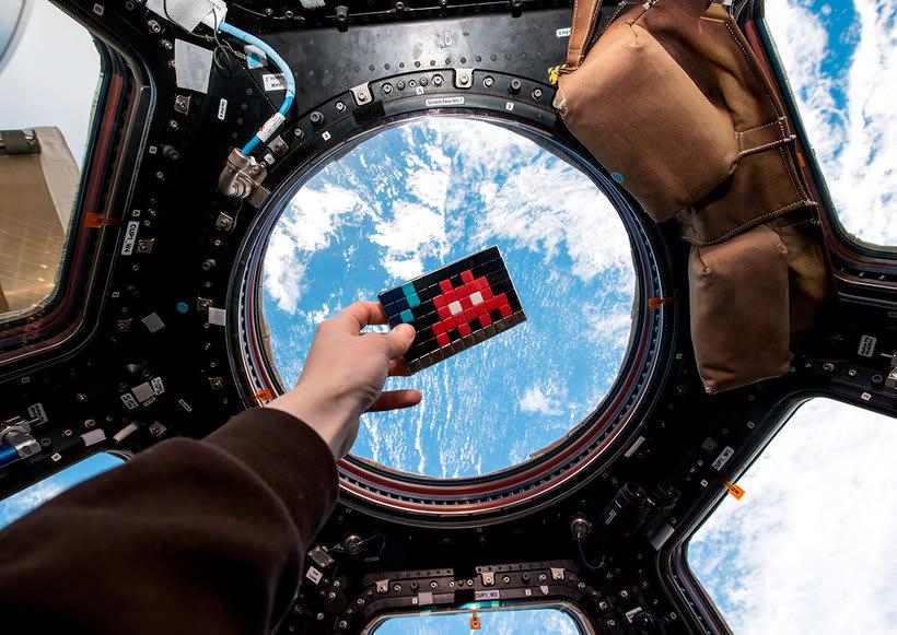 Invader es el primer artista urbano en conquistar el espacio 1