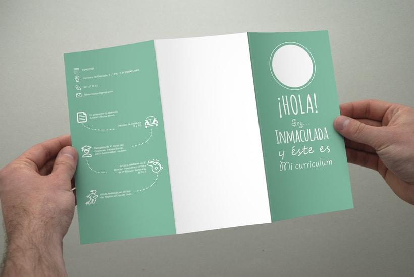 Diseño y maquetación de un currículum para una Trabajadora Social. 3