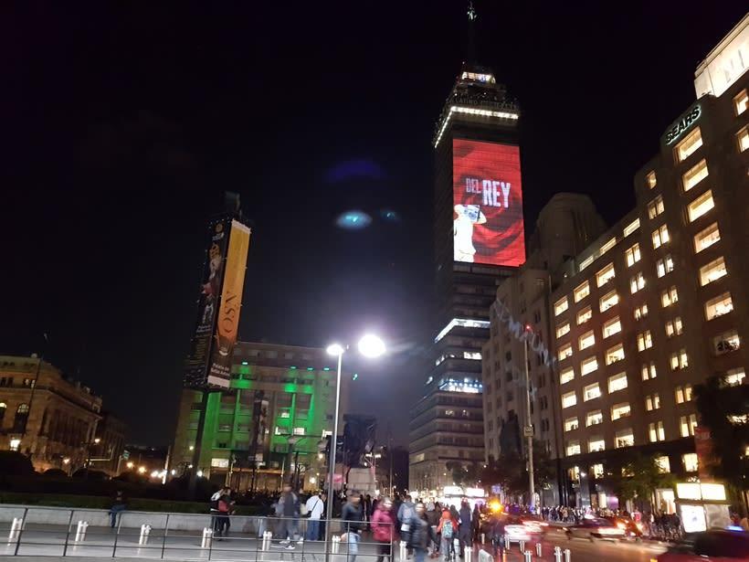 Vídeo mapping billboard Corona Capital 2016 - Torre Latino CDMX 4