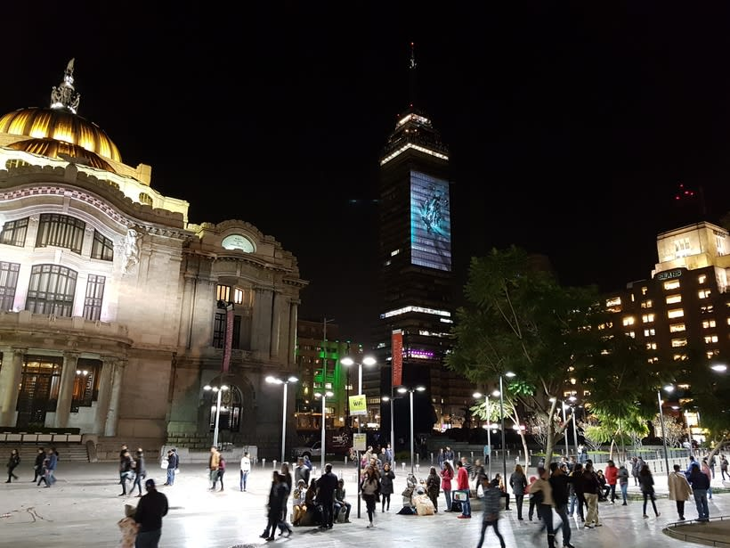 Vídeo mapping billboard Corona Capital 2016 - Torre Latino CDMX 6