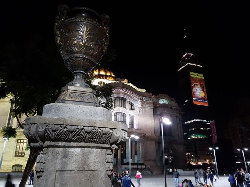 Vídeo mapping billboard Corona Capital 2016 - Torre Latino CDMX 9