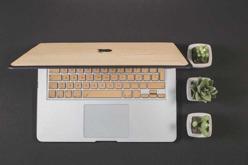 Fundas y teclados de Madera para Macbook 2
