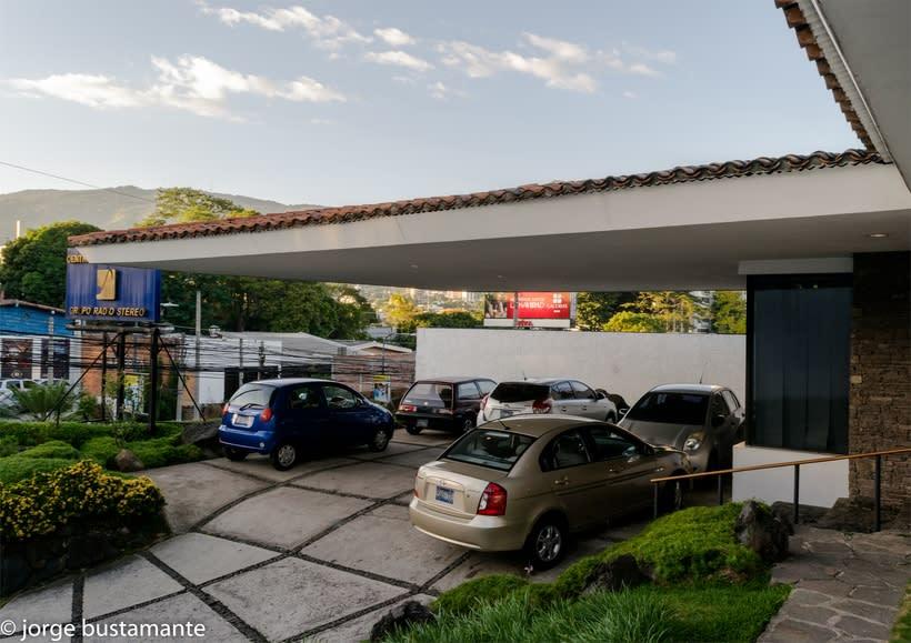Centro de Producción Grupo Radio Stereo. San Salvador, El Salvador. 1