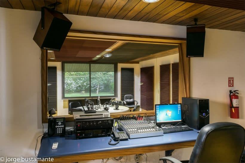 Centro de Producción Grupo Radio Stereo. San Salvador, El Salvador. 9