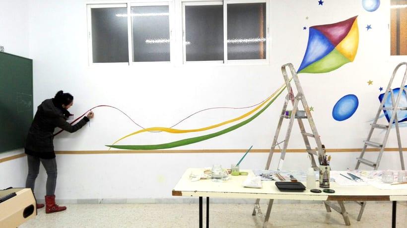 """TH, ya hemos terminado uno de nuestros proyectos de pintura mural con """"Proyecto cometa"""" en la Parroquia La Paz del distrito norte de Granada.(Painting process) 5"""