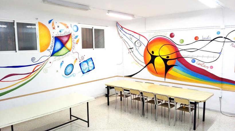 """TH, ya hemos terminado uno de nuestros proyectos de pintura mural con """"Proyecto cometa"""" en la Parroquia La Paz del distrito norte de Granada.(Painting process) 15"""