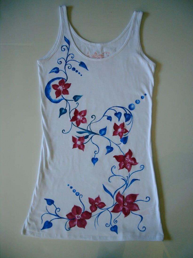 Camisetas Pintadas a mano de Mujer y de hombre 17