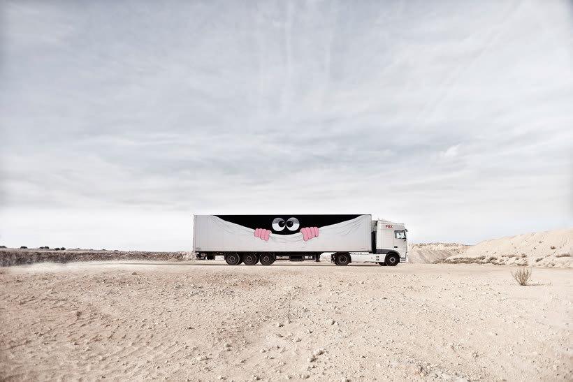 Arte itinerante a lomos de un camión de mercancías 12