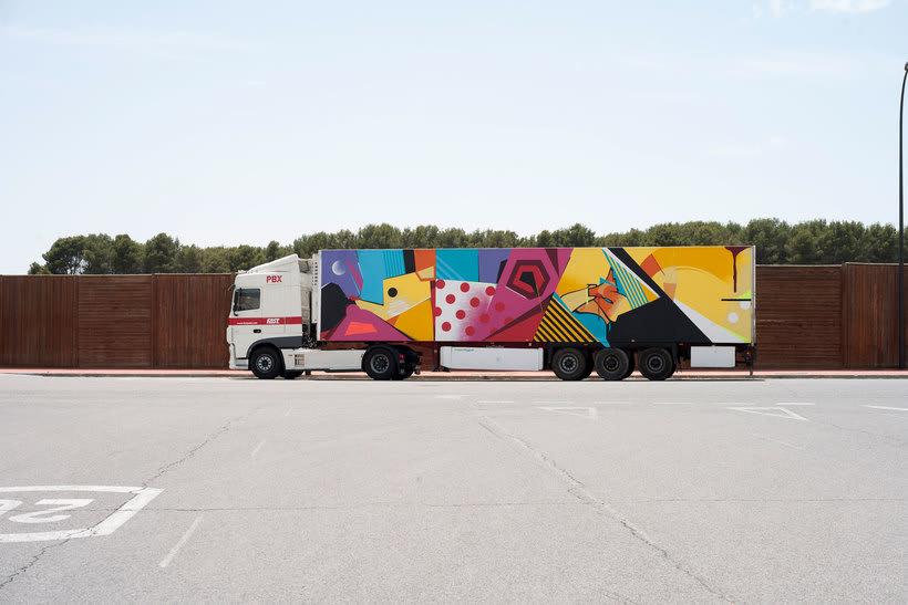 Arte itinerante a lomos de un camión de mercancías 15