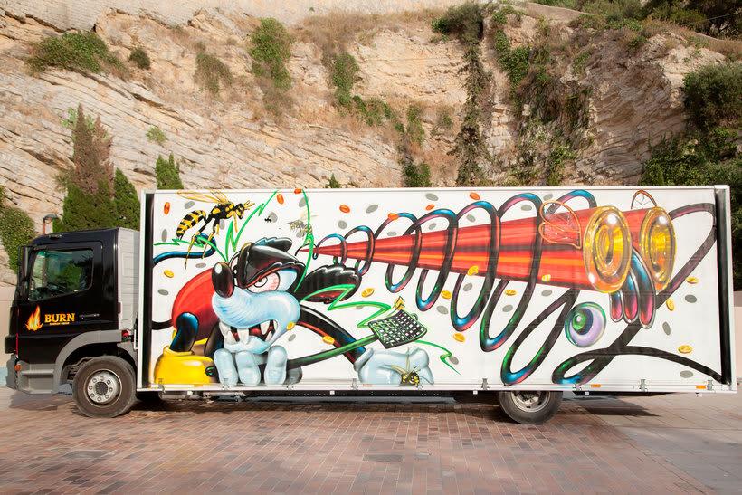 Arte itinerante a lomos de un camión de mercancías 20