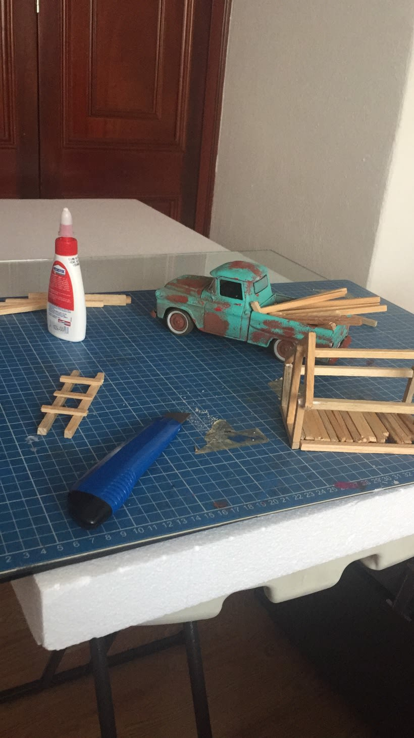 Mi Proyecto del curso: Fotografía creativa en estudio con modelos a escala 6