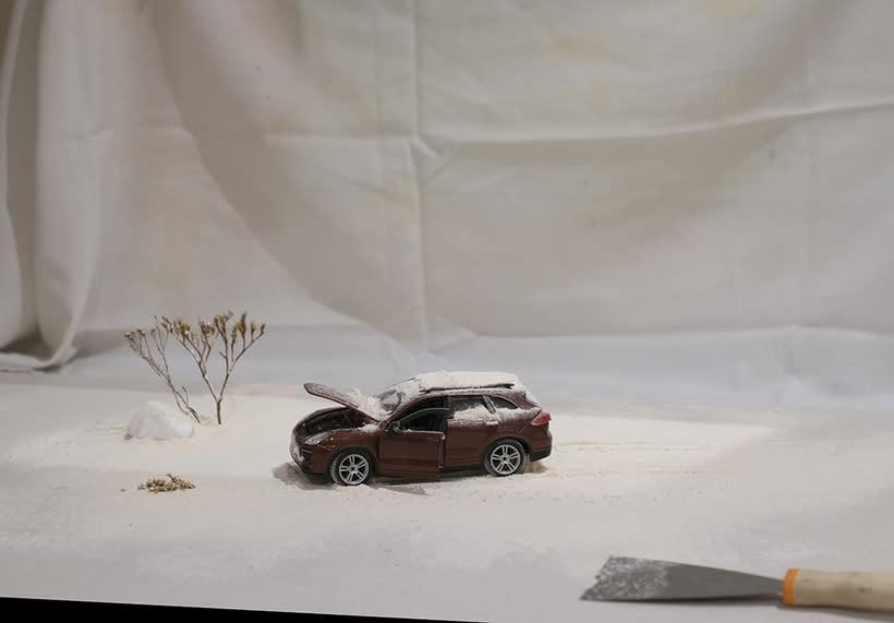 Averia Inoportuna.Mi Proyecto del curso: Fotografía creativa en estudio con modelos a escala 0
