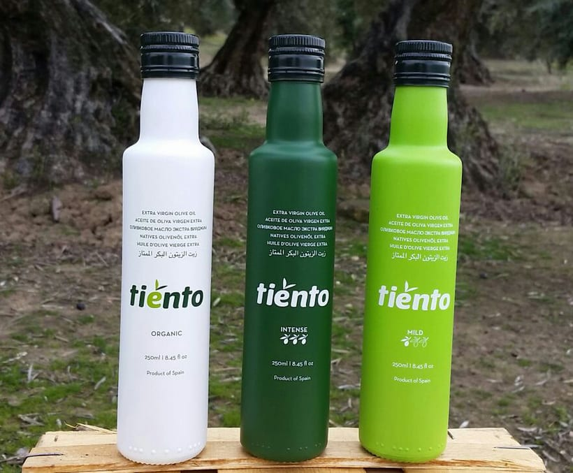 TIENTO - Extra Virgin Olive Oil 3