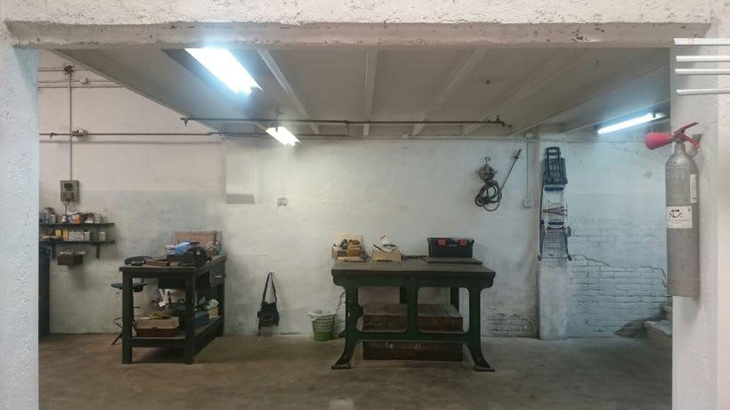 Ofrecemos puestos/mesas de trabajo en nuestro espacio compartido de makers en Poblenou, Barcelona 8