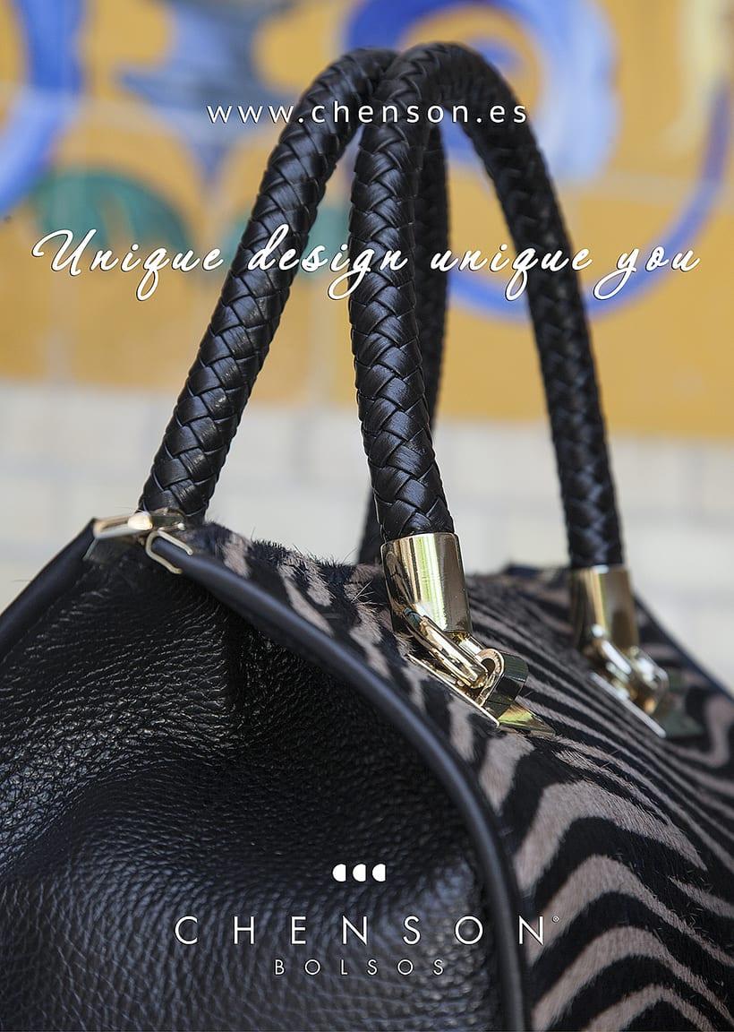 Fotografía de bolsos para catálogo CHENSON. 1
