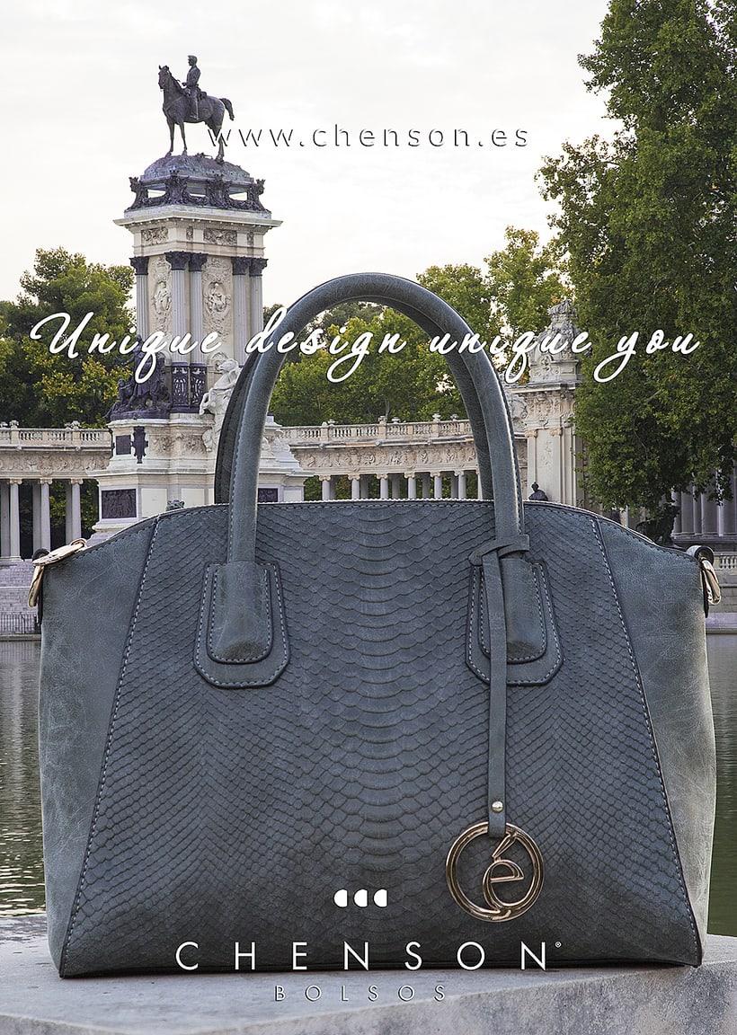 Fotografía de bolsos para catálogo CHENSON. 2