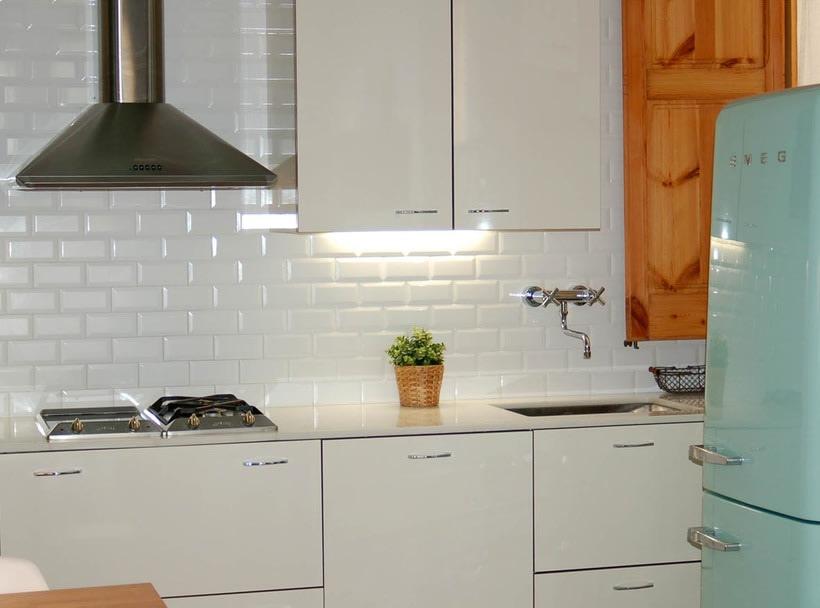 Rehabilitación de vivienda y diseño de mobiliario en Sants (2012) -1