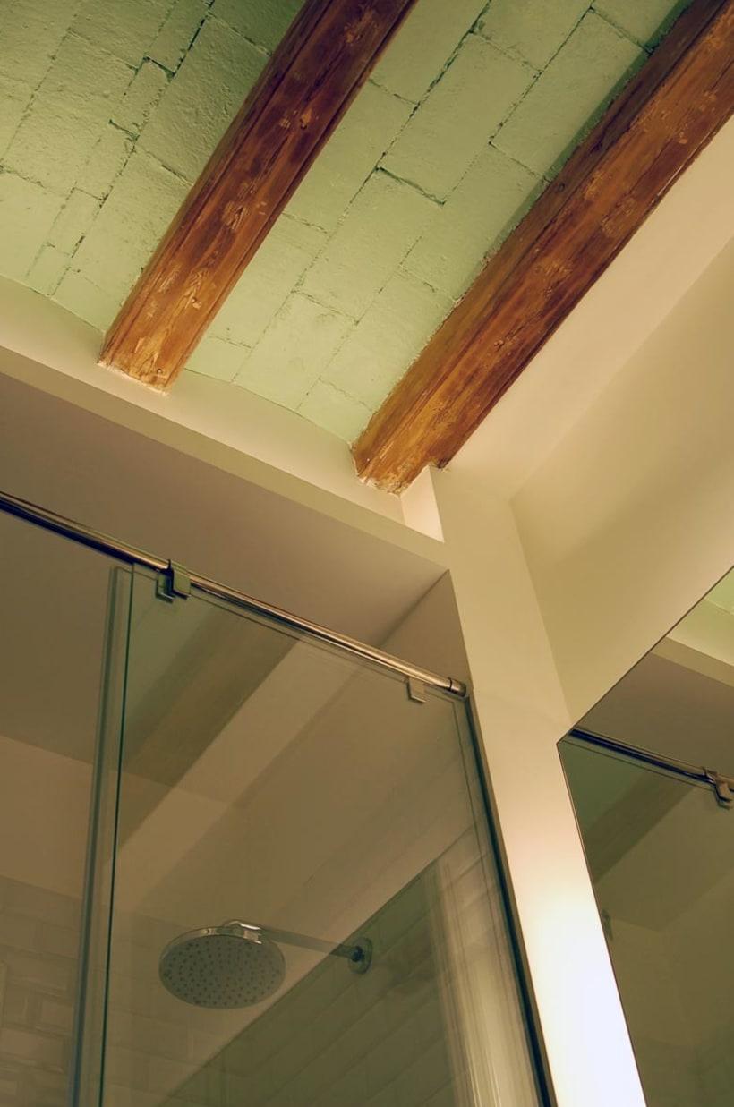 Rehabilitación de vivienda y diseño de mobiliario en Sants (2012) 3