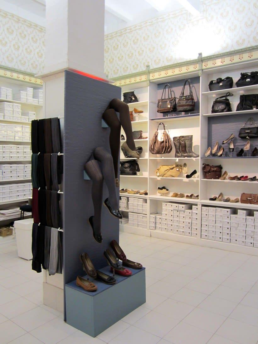 Proyecto de escaparatismo y visual merchandising en la zapatería Los Ángeles de Barcelona (2011) 4