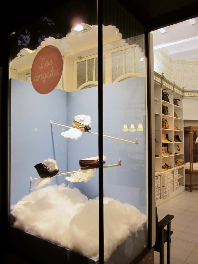 Proyecto de escaparatismo y visual merchandising en la zapatería Los Ángeles de Barcelona (2011) 1