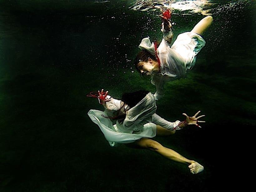 CREANDO DANZA BAJO EL AGUA / CREATING DANCE UNDERWATER 0