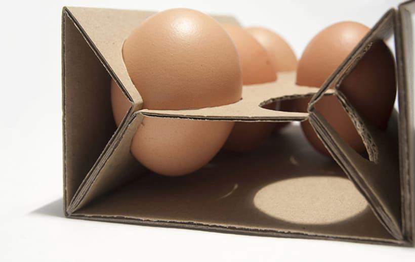 Clara: disseny d'envasat d'ous ecològics 3