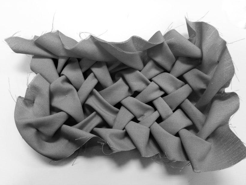 Diseño de vestuario a medida en textil y piel. 4
