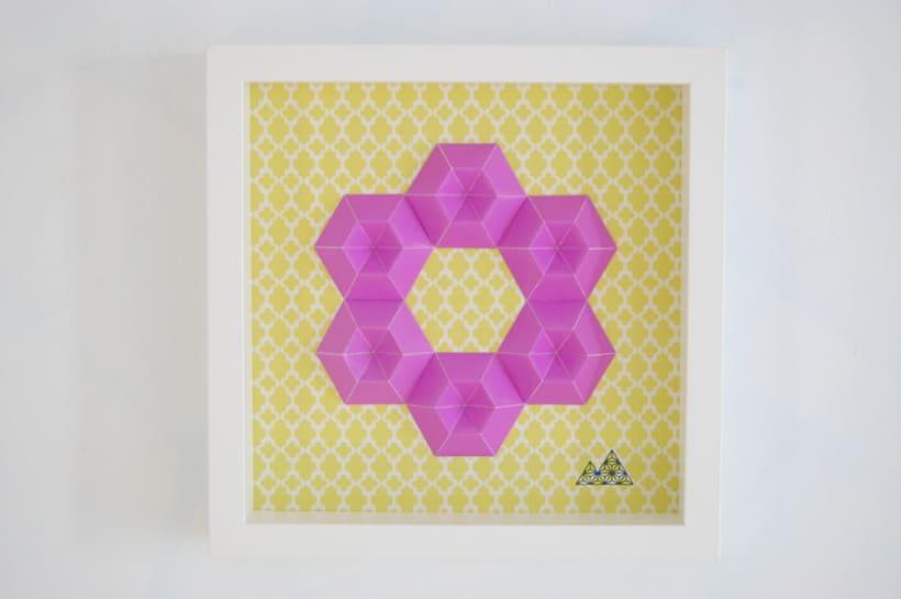 Violeta: arte 3D en papel 0