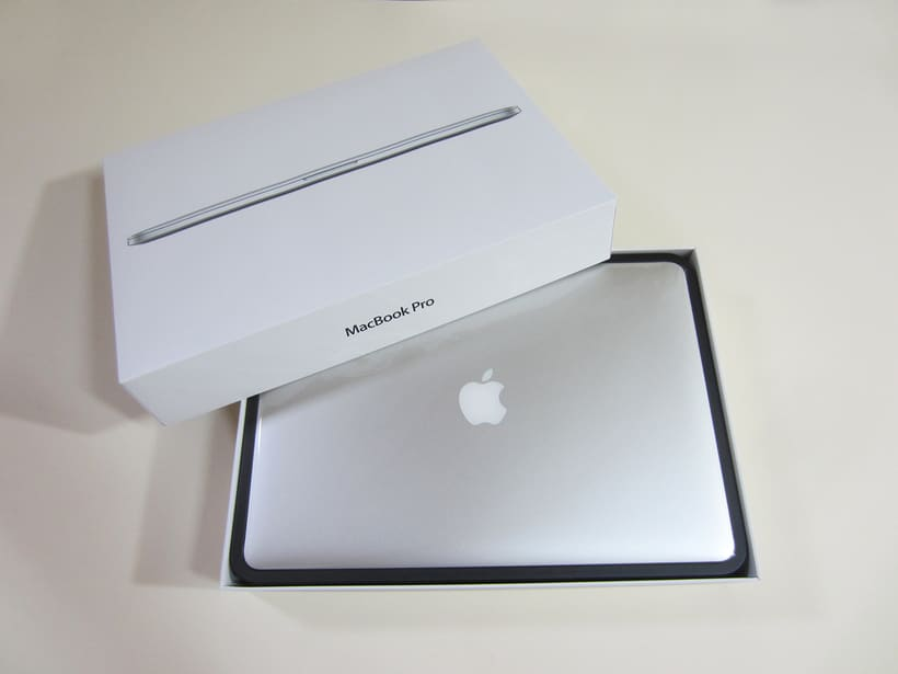 "MacBook Pro Retina 15"", i7 2,5 GHz, 16 GB de RAM, NVIDIA GeForce GT 750M 2 GB y 500 GB SSD 2"