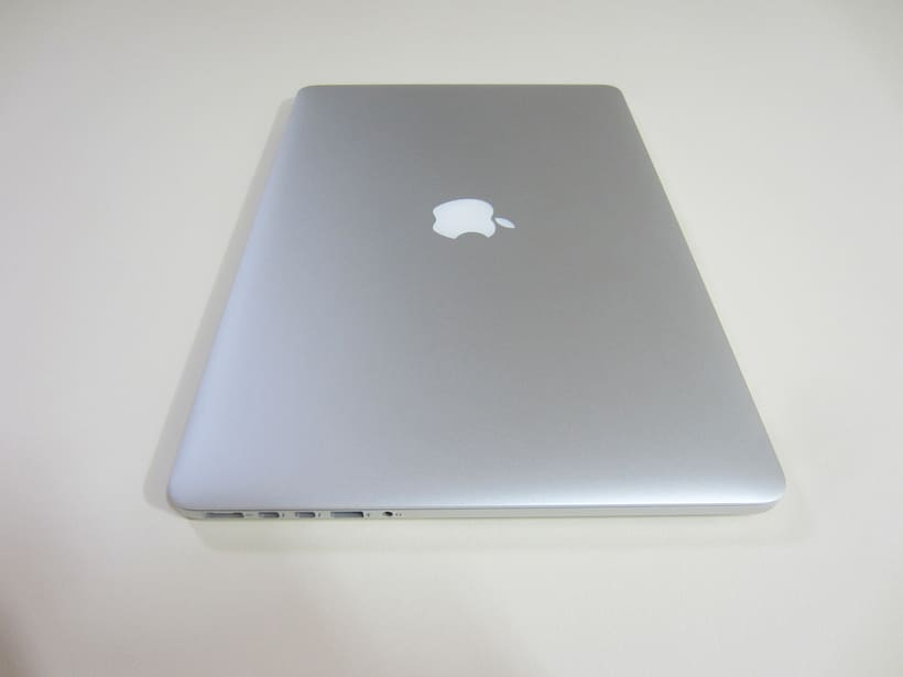 "MacBook Pro Retina 15"", i7 2,5 GHz, 16 GB de RAM, NVIDIA GeForce GT 750M 2 GB y 500 GB SSD 7"