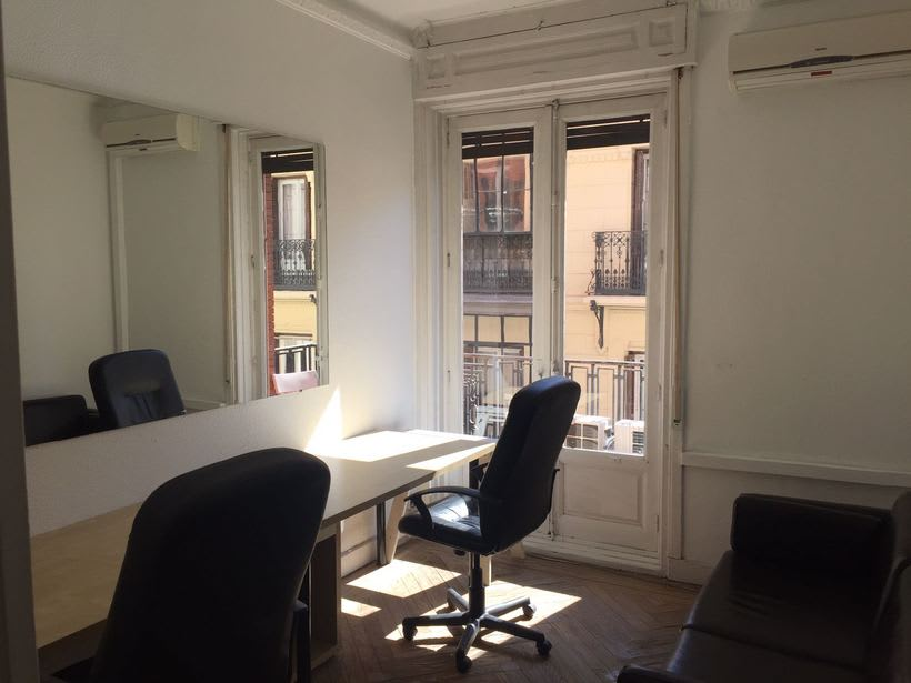 Oficina independiente en Coworking Madrid centro / Calle Arenal 1