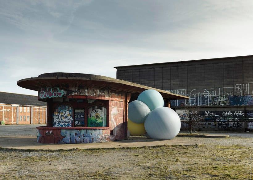 Charles Pétillon crea poesía fotográfica con globos 5