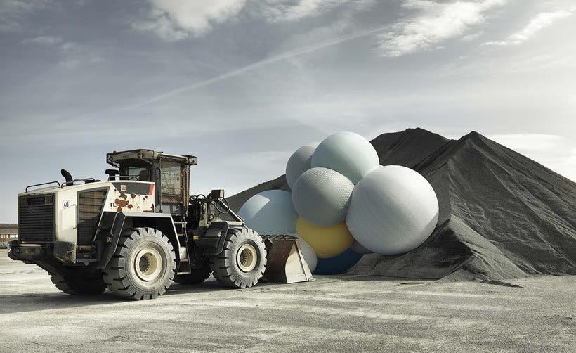 Charles Pétillon crea poesía fotográfica con globos 9