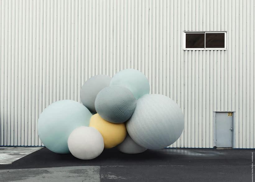 Charles Pétillon crea poesía fotográfica con globos 11