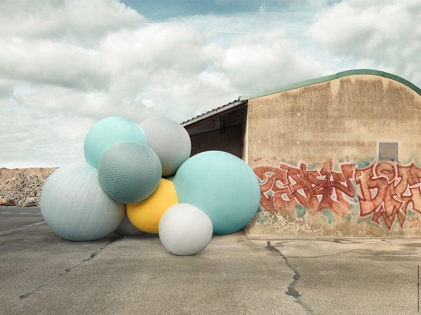 Charles Pétillon crea poesía fotográfica con globos 14