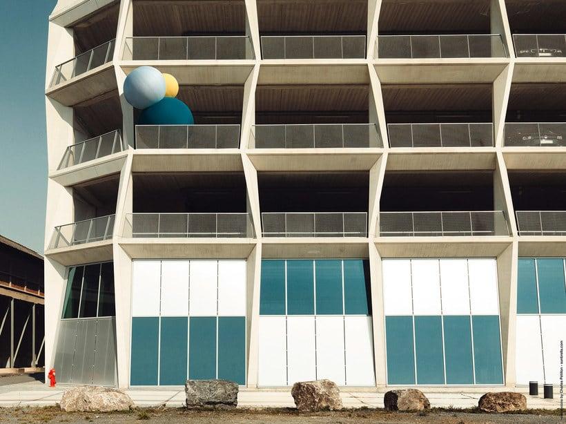 Charles Pétillon crea poesía fotográfica con globos 18