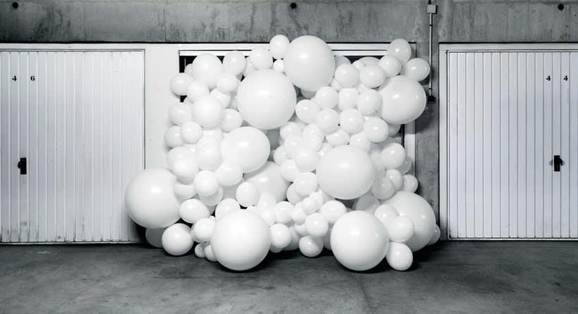 Charles Pétillon crea poesía fotográfica con globos 20