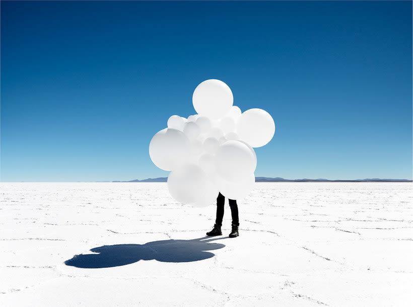 Charles Pétillon crea poesía fotográfica con globos 25