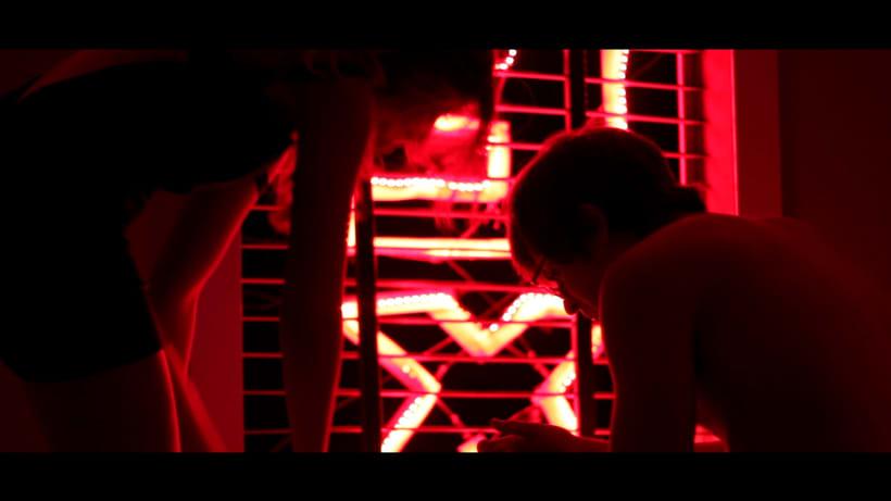 Rojo. Cortometraje ganador al premio Talento Visual Notodo Filmfest. 3