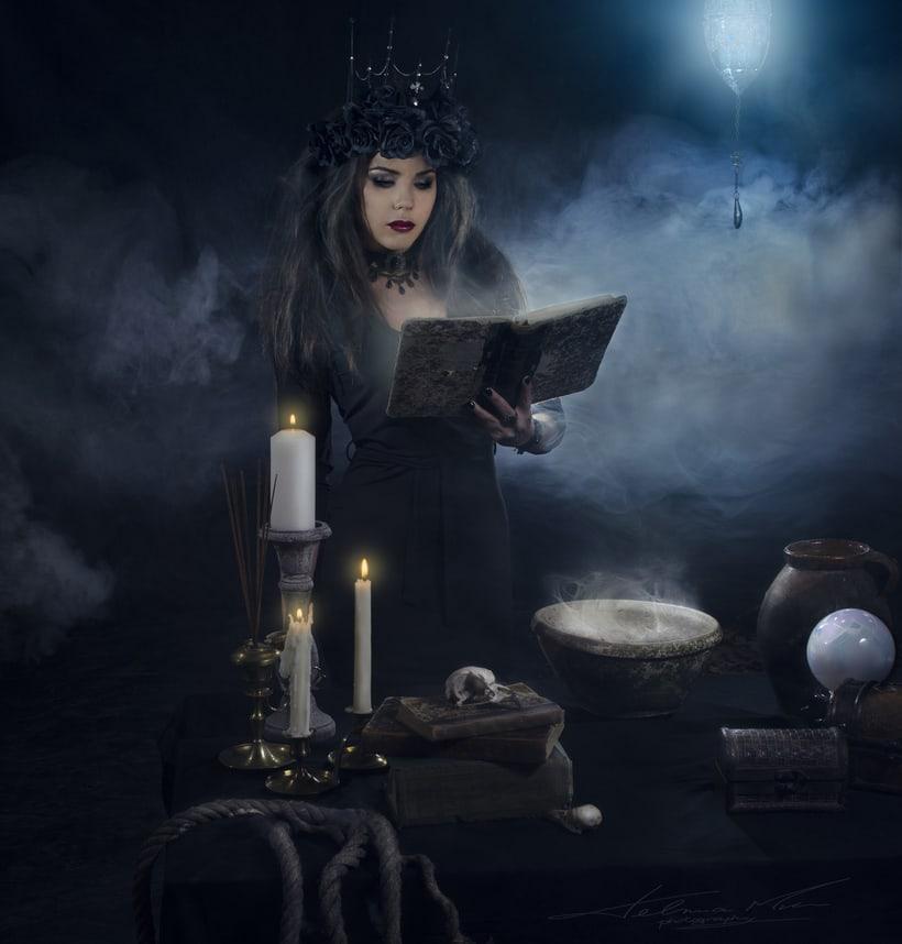Dark queen of the night 6
