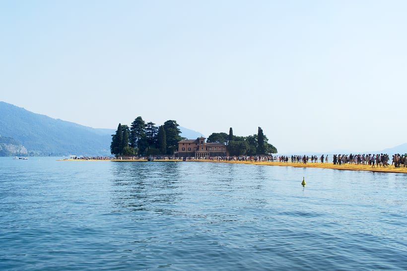 the floating piers  (Iseo lake, Italy) 3