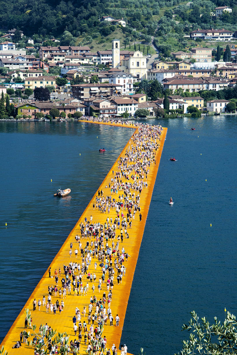the floating piers  (Iseo lake, Italy) 9